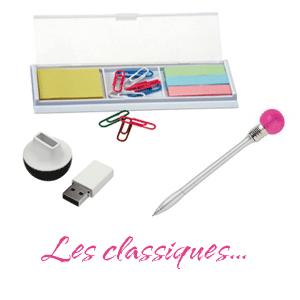 Objets publicitaires classiques, stylos, clés USB, post-it...;